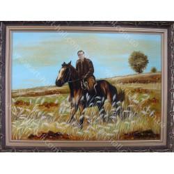 Портрет на коне из янтаря