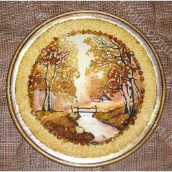 Декоративна тарілка з пейзажем