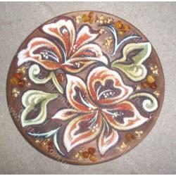 Декоративна тарілка з квітами