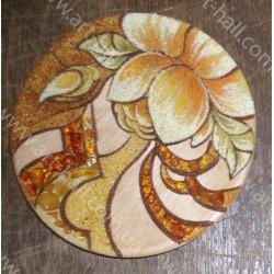 Декоративна тарілка з квіткою